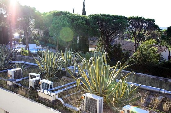 Zenitude Hotel-Residences La Tour de Mare: Вид из номера