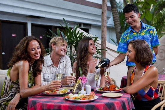 Estrela Do Mar Beach Resort: Patio restaurant