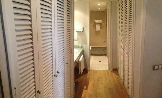 Apartamentos Eurobuilding 2: Baño habitacion