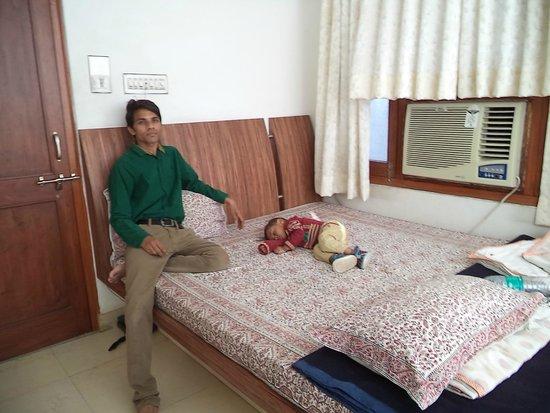 Hotel The Sajjan Villa: ROOM-2