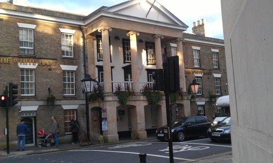 Mercure Salisbury White Hart Hotel: We stayde in the first floor balcony room - superb!