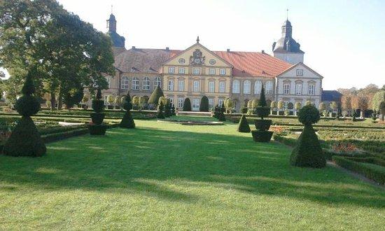 سكسونيا-أنهالت, ألمانيا: Schloß Hundisburg