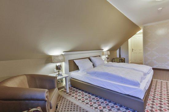 Hotel Altes Museum - Bild von Hotel Alte Schule, Bad Berleburg ...