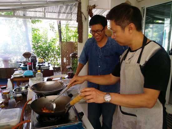 Small House Chiangmai Thai Cooking School: We had fun cooking day!