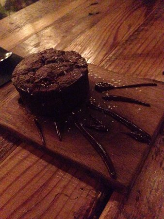 Holland House Bar & Refuge: Flourless chocolate cake