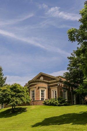 De Courceys Manor Photo