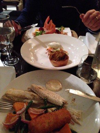 Sails Restaurant: Crab cake,scallops e pesce del giorno