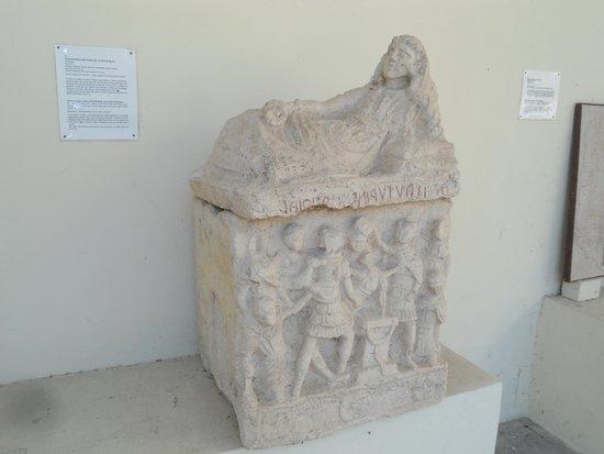 National Archaeological Museum: работа этрусков