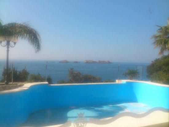 Ariston Hotel: outdoor pool