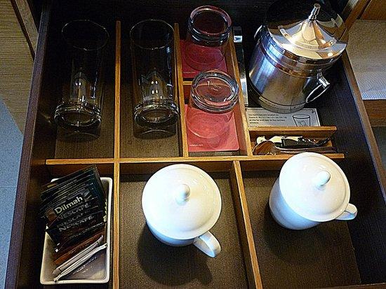 Hotel Jen Hong Kong Set Up Of The Coffee Tea Supplies