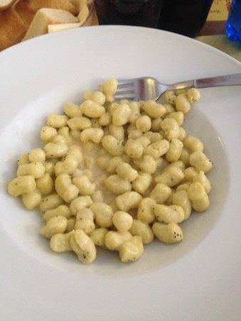 Trattoria Alla Ferrata: gnocchetti al formaggio