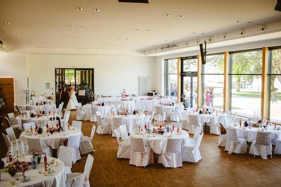 Saal Im Seeum Fur Hochzeitsfeier Gerichtet Picture Of Kern S