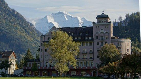 Metropole Hotel Interlaken: desde el balcón del la habitación