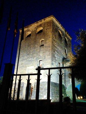 Torre Vella: вечерняя подсветка