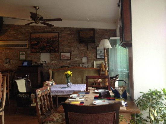 Cafe Privato : Table