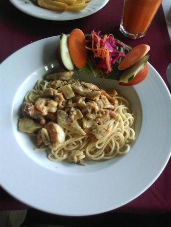 Captain Hook's Seafood Restaurant: pasta malinara