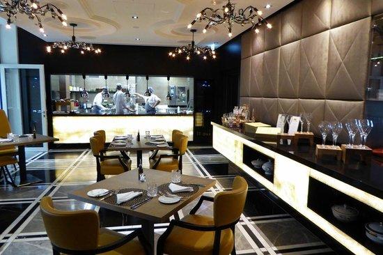 Restaurant mit offener Küche - Bild von Hotel am Steinplatz ...