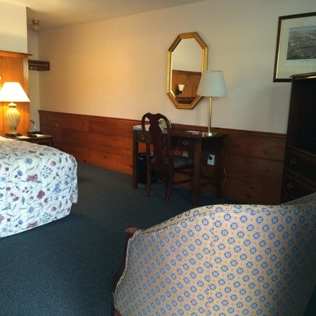 Knights Inn Boston/Danvers: One room with American by Martinsville furniture and old pine woodwork