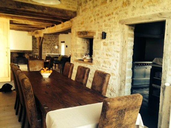 Chateau De Marigna: la salle à manger