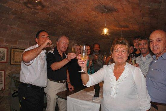 Borgo dei Cadolingi: Wine Cellar For A Toast