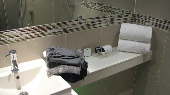 Holiday Inn Johannesburg-Rosebank: Bath