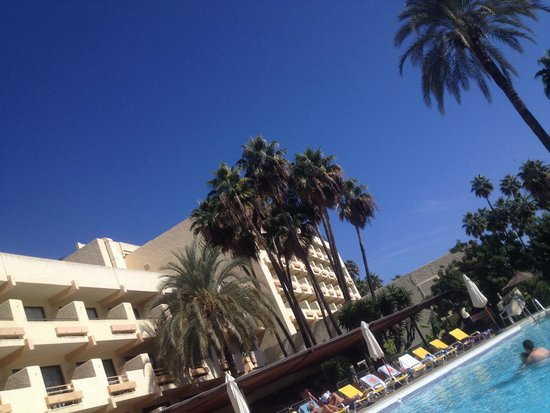 Royal Al-Andalus: The hotel and pool
