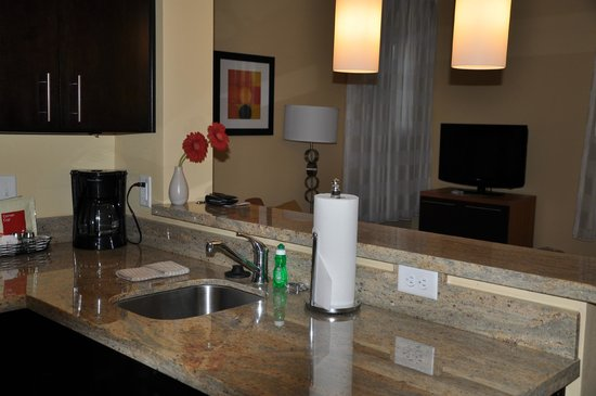 TownePlace Suites Vernal: Kitchen