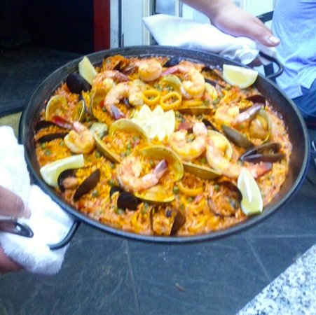 Sangria 46: Paella