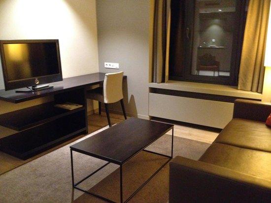 Aparthotel Castelnou: Living