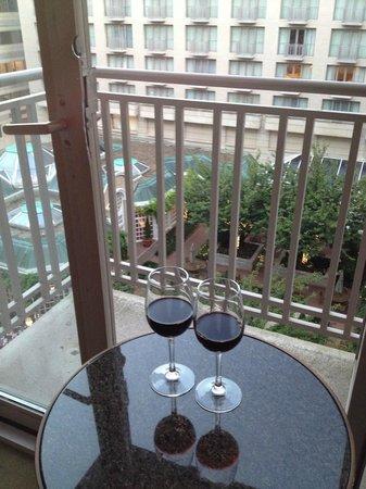 Fairmont Washington, D.C. Georgetown: Little balcony with garden view