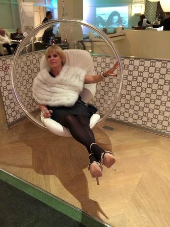 Hôtel Bel Ami : lobby chair