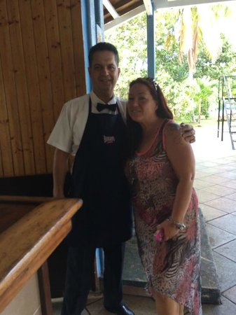 Puntarena: Pedro is the morning/day bartender at the pool area Excellent Rum punch