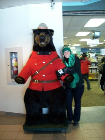 Jasper Information Centre : The Bear and me
