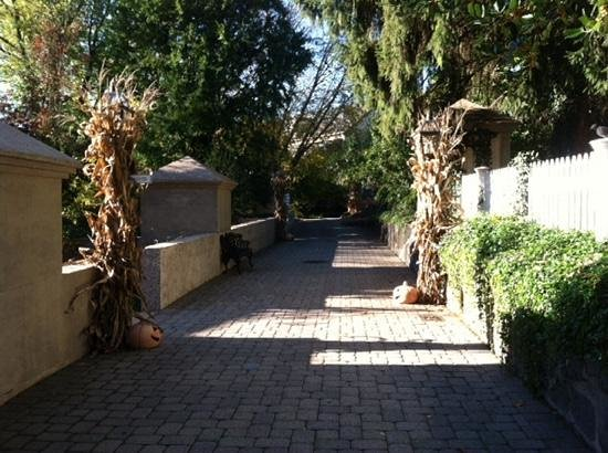 Inn at Montchanin Village: fall decorations