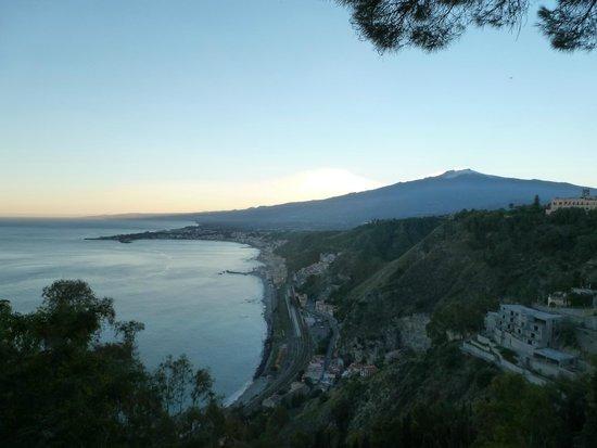 Taormina bay picture of tano 39 s b b giardini naxos tripadvisor - B b giardini naxos economici ...
