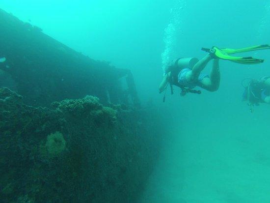 Kwajalein Island, Wyspy Marshalla: Sunken fishing vessel