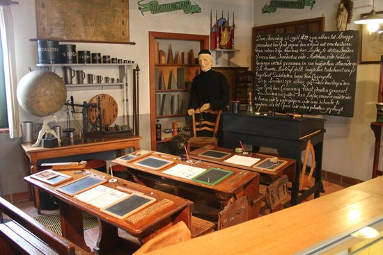 Folklore Museum: classroom exhibit