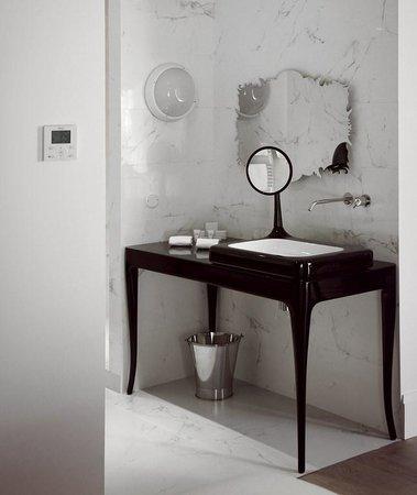 Salle de bain Suite So Chic - Picture of Yndohotel, Bordeaux ...