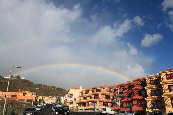 La Caleta : Straßensicht und andere Hotelanlage.