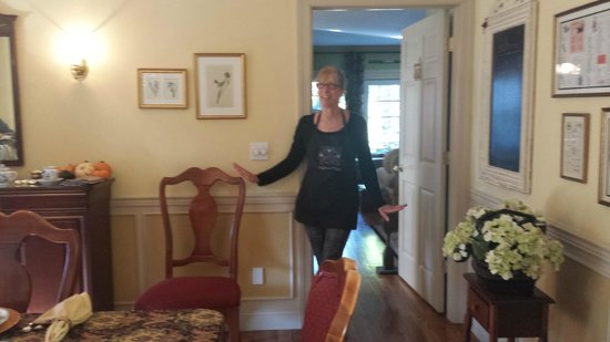 Blue Iris Bed and Breakfast: Lovely Hostess