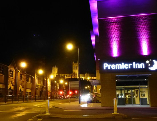 Premier Inn Lincoln City Centre Hotel: Lincoln Cathedral from Premier Inn