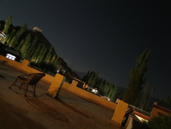 Hotel Pangong: View from the hotel terrace at night
