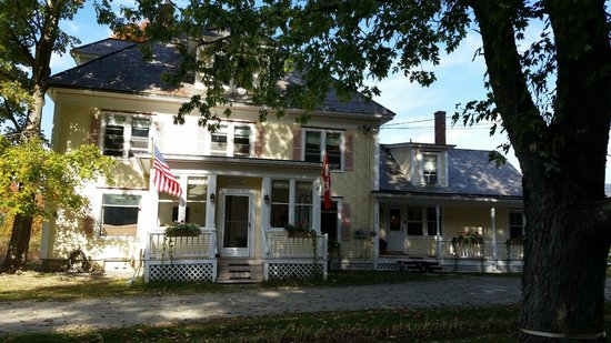 Mad River Inn: Front of Inn