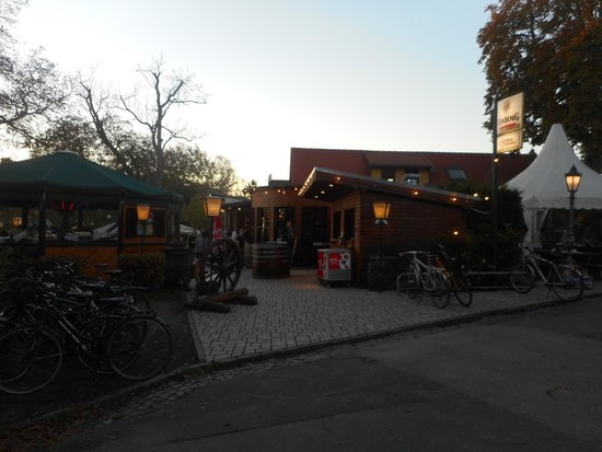 Quiosque e bar externo - Bild von Lohrberg Schanke, Frankfurt am ...