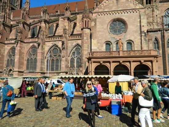 Hotel am Rathaus: Freiburg center market
