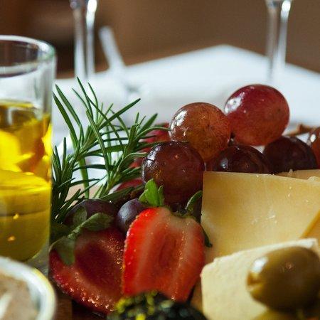 Esencia Uruguay: Aceites de oliva, quesos, frutas....para maridar con nuestros vinos