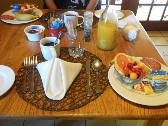 Outlook Lodge: Breakfast
