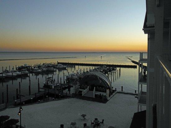 Chesapeake Beach Resort and Spa : Sunday sunrise from balcony