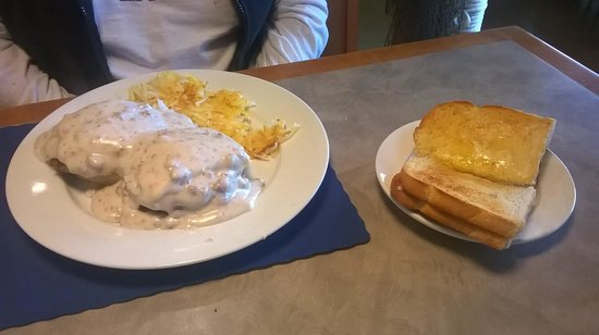 North Shore Grill : Biscuits and Gravey