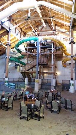 Three Bears Resort: 4 Large slides